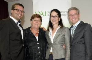 v.li. Klaus Strotmann (3. Vorsitzendener),  Ingrid Gertz-Rotermund (2. Vorsitzende),  Dr. katharina seuser (1. Vorsitzende), Bernd Weber (Geschäftsführer)